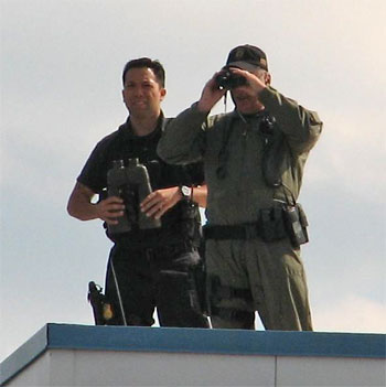 New Video Shows Militarized Police at Obama Event in Illinois  rooftopcops