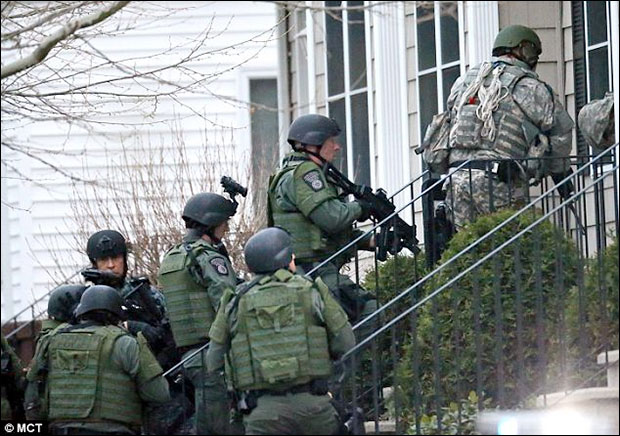Video: SWAT police gunpoint raids in Boston Were Conducted House After House bostonmil3