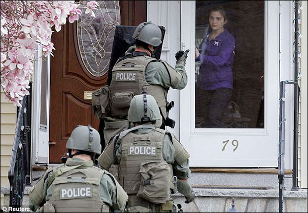 Video: SWAT police gunpoint raids in Boston Were Conducted House After House bostonmil4