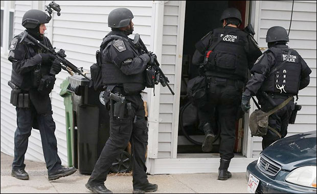 Video: SWAT police gunpoint raids in Boston Were Conducted House After House bostonmil9