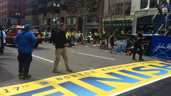 FBI Ignores Men With Backpacks At Scene of Boston Bombings finishline