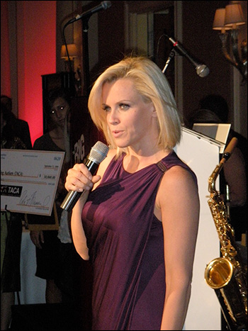 Jenny McCarthy  addresses audience at autism awareness event / Photo by Michael Dorausch, via Wikimedia Commons