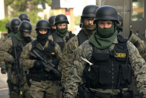 Navy Yard Shooting: SWAT Team Ordered to Stand Down swatteam12 300x201