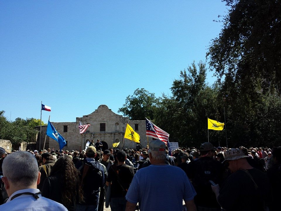 Gun Owners Defy Tyranny, Defend Constitution at the Alamo 1374964 676933819004447 63466615 n