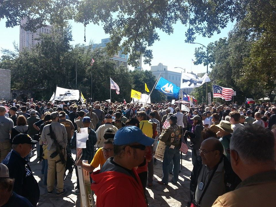 Gun Owners Defy Tyranny, Defend Constitution at the Alamo 1380693 10201562011004037 996726286 n