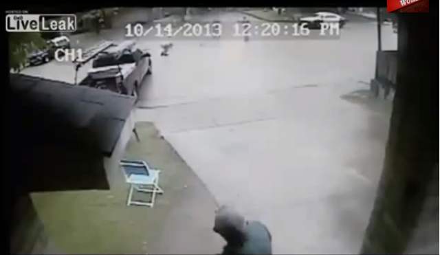 Video: Dallas Cop Shoots Mentally Ill Man Who Stood Perfectly Still Screen Shot 2013 10 18 at 12.06.15 PM