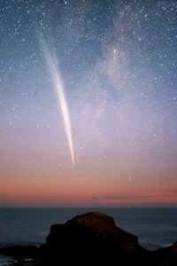 Sungrazing Comet Lovejoy (C/2011 W3) seen over Australia in Dec. 2011. Image credit: Alex Cherney, TWAN.