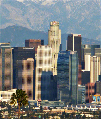 Los Angeles, with its skyline pictured, has over 10,000 police officers. Credit: BDS2006 via Wikimedia