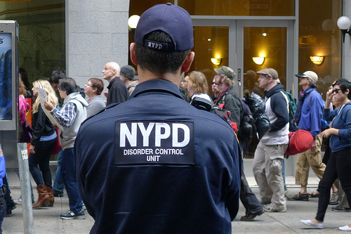 NYPD to deploy heavily armed officers, canines and patrol boats for Super Bowl festivities / Image via Flickr, by vandalog