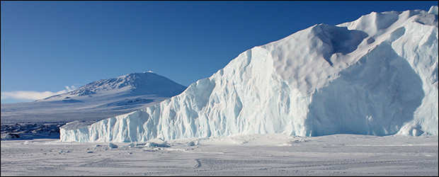 Record levels of ice now blanket the Antarctic. Credit: elisfanclub via Flickr
