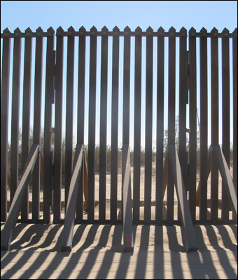 Amnesty Will Cause Illegal Immigration To Explode 013114fence