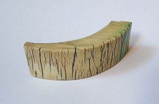 Piece of ivory / via Wikimedia Commons