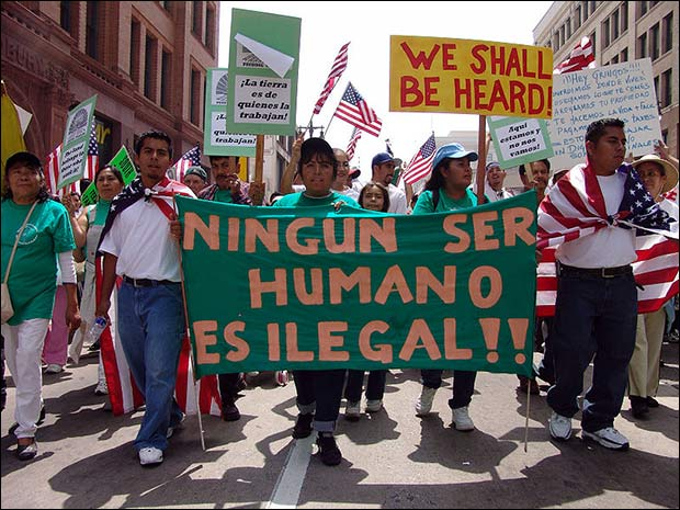 Farm workers march for amnesty in downtown Los Angeles / Image: Wikimedia Commons