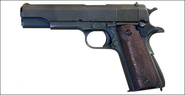 The 1911, in various varieties, continues to be a popular choice for concealed carry due to it's slim size. Credit: M62 / Wiki