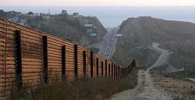 """""""Having to use deadly force"""" is a scenario Border Patrol Agents could be faced with at any time. / Photo: CBP"""