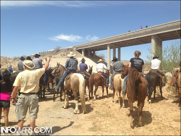 Cowhands waited nearly three hours for the Bureau of Land Management to fulfill their promise to release Mr. Bundy's cattle.