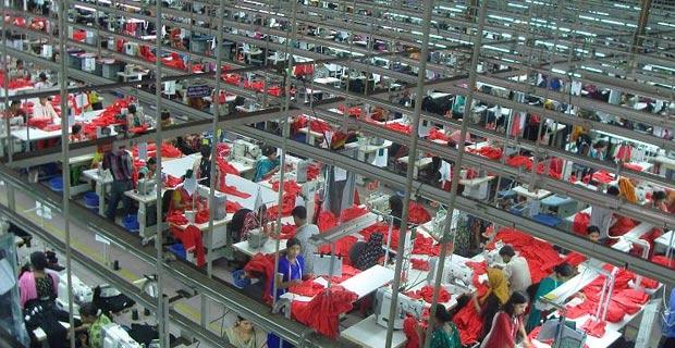 Garments Factory in Bangladesh / Photo: Fahad Faisal, via Wikimedia Commons