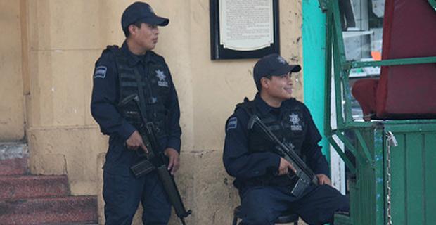 Mexican federal police in Juárez, México. Credit: scazon / Flickr