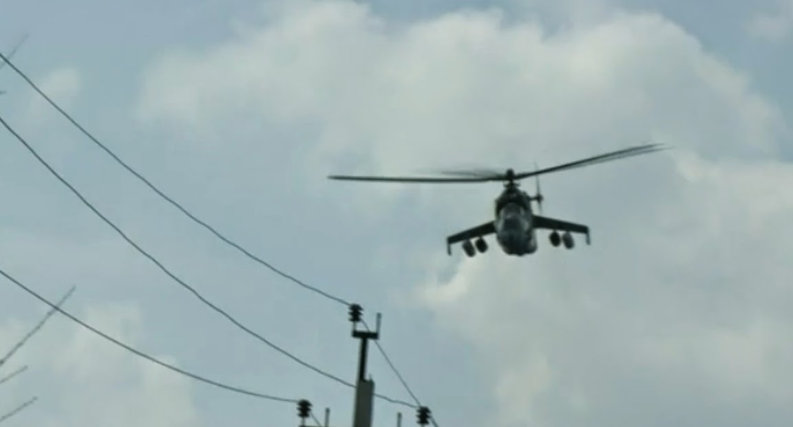 Heavily armed military gunships have been spotted over eastern Ukraine for days leading up to the now ongoing assault on Slavyansk. While some of the city's defenders are clearly armed, many are not, and human chains have been formed to prevent armored columns from Kiev from entering the city.