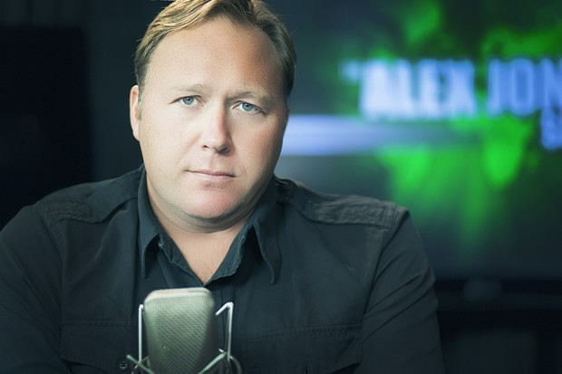 Alex Jones Challenges Piers Morgan to Moderated Debate about alex1